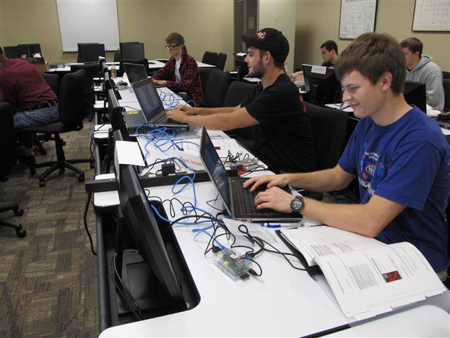 Raspberry Pi Seminar Brings Back Computers-As-Hobby Vibe