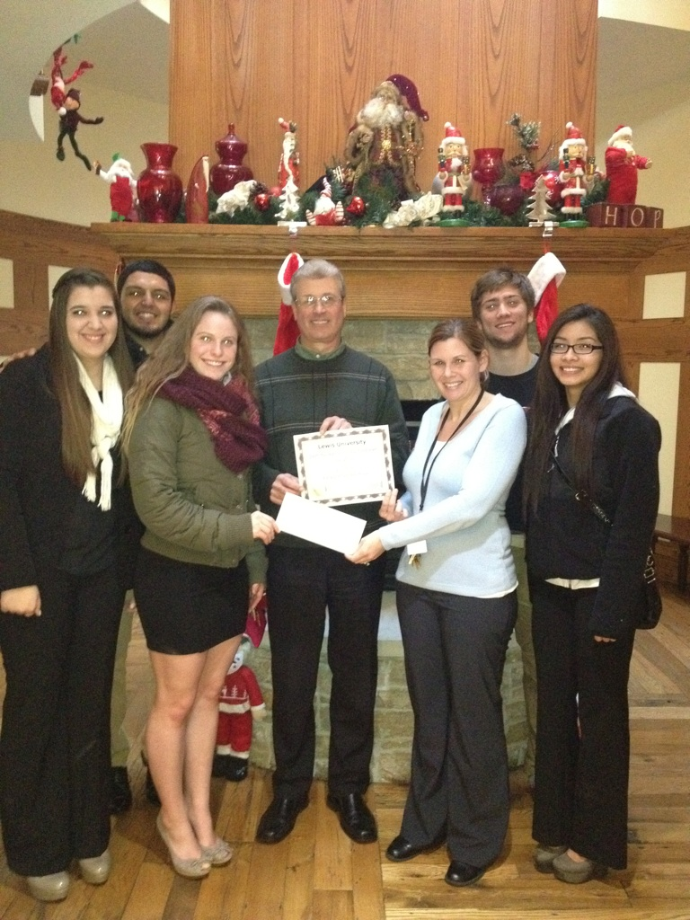 Students in Foundations of Sport and Fitness Management Class Raise Money For Ronald McDonald House Charities